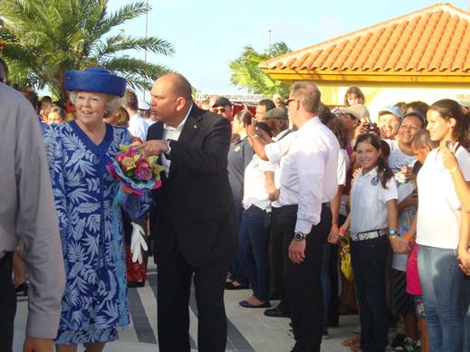 a Rainha e o ministro de turismo