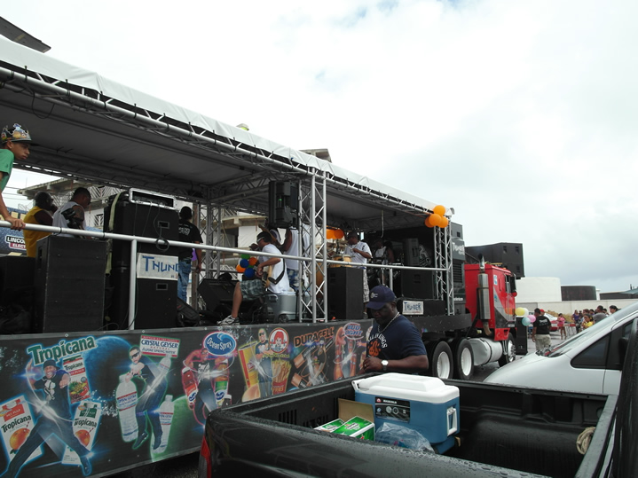 caminhão com banda