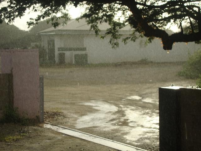 chuva vista da nossa casa