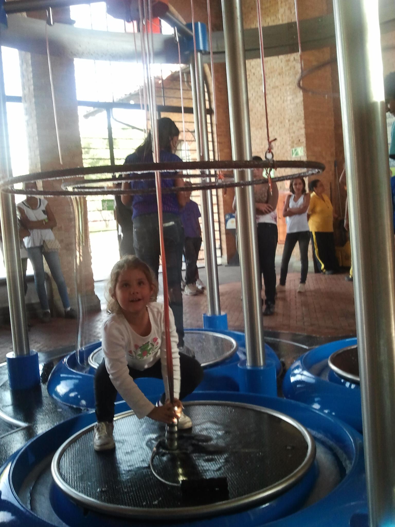 Diana fazendo uma bolha ao redor de si