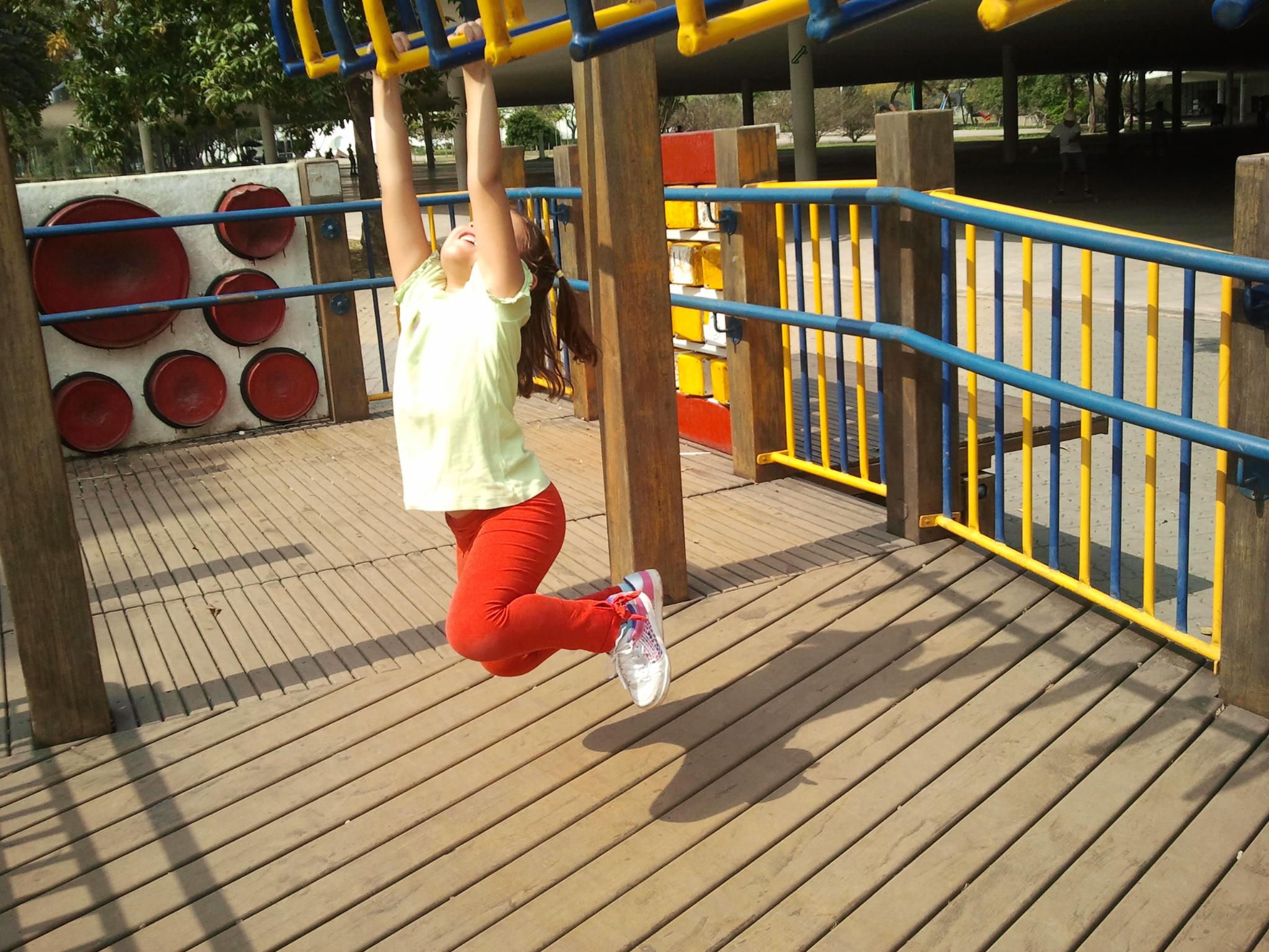 Circuito de barras de braquiagem para crianças pequenas